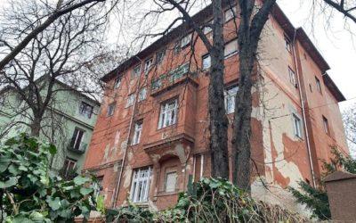A gyermekmentő, a keserűvíz és az orgonaművész otthona – Orlay utca 10