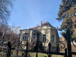 Irodalmi menedékház, avagy nagy emberek kicsi háza a Városmajornál